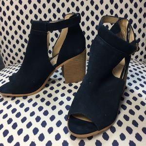 Sole Society peep toe navy booties size 8